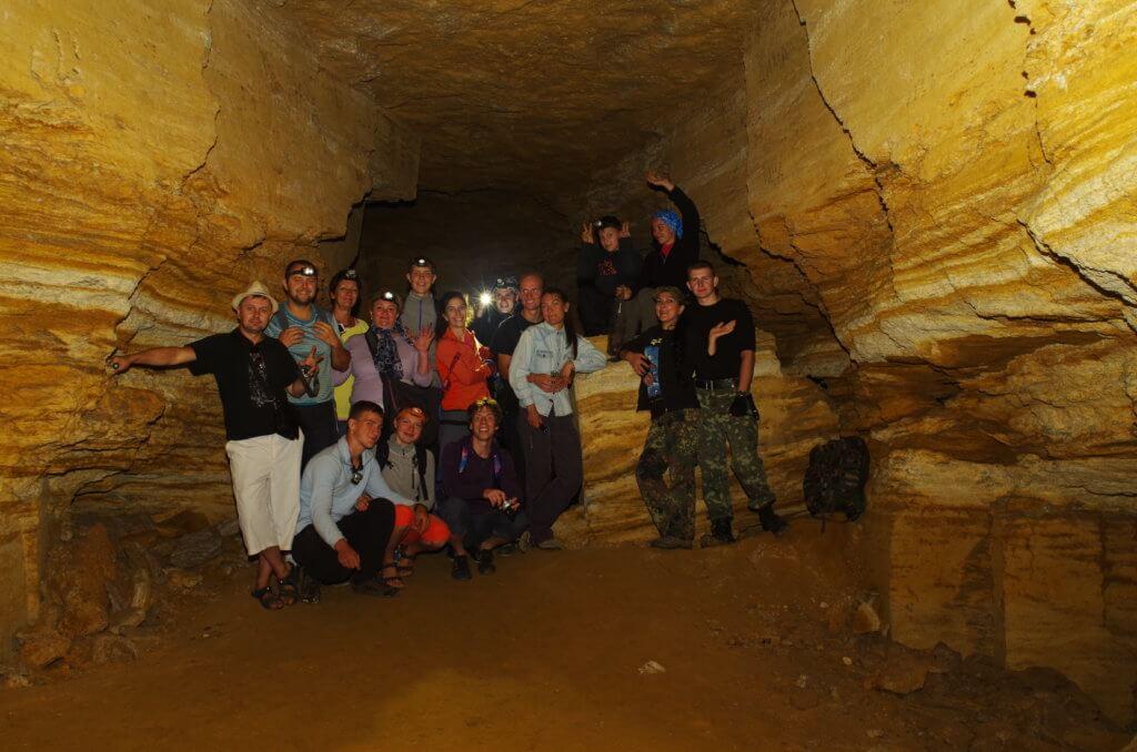 24 июля 2016 года был проведен первый эко-выход в катакомбы с привлечением широкой публики. Выход включал работы по благоустройству Одесских катакомб и бесплатную экскурсию по району. В выходе приняло участие 18 человек. Успешный опыт и хорошие результаты превратили экологические выходы в нашу ежемесячную традицию.